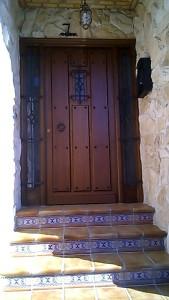 Puerta de entrada rústica