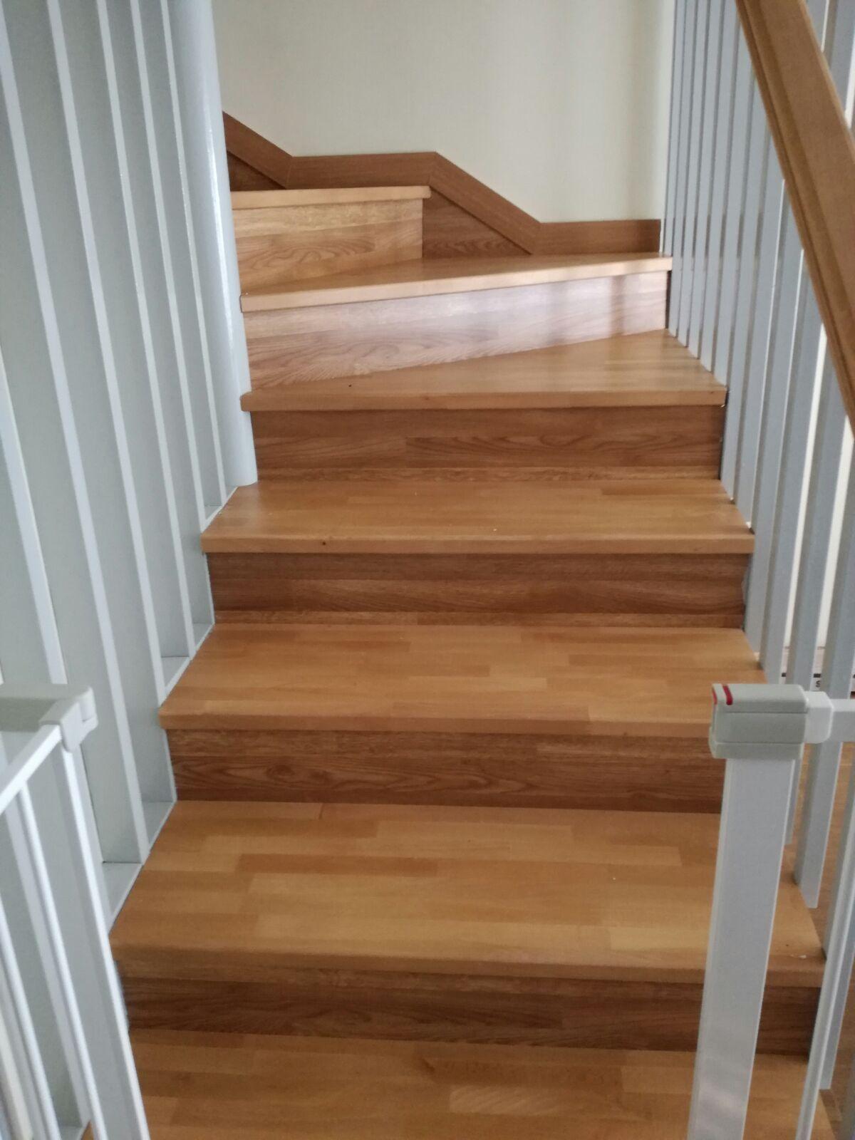 Escalera nueva vivienda